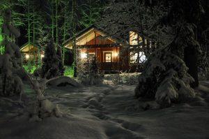 къща зима